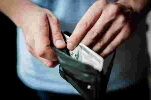 付钱给人们是为了承诺,而不是为了时间或结果