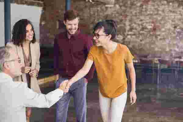 建立企业-创业伙伴关系?这将有助于它成功。